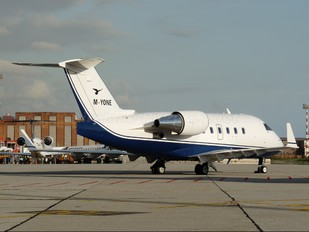 M-YONE - Private Canadair CL-600 Challenger 601