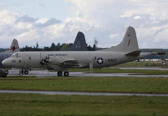 154587 - USA - Navy Lockheed NP-3D Orion