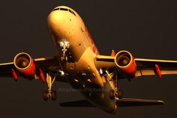 G-EZIC - easyJet Airbus A319
