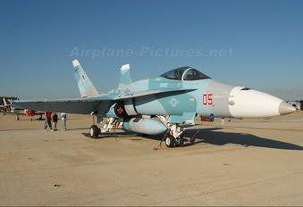164680 - USA - Navy McDonnell Douglas F/A-18C Hornet