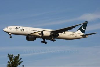 AP-BHV - PIA - Pakistan International Airlines Boeing 777-300ER
