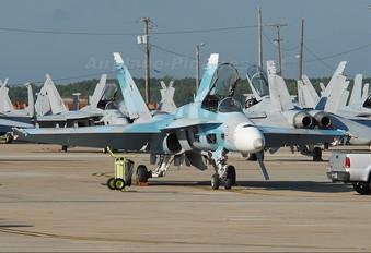 164655 - USA - Navy McDonnell Douglas F/A-18C Hornet