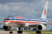 N689AA - American Airlines Boeing 757-200 aircraft