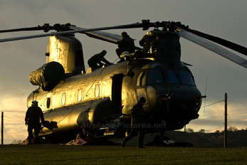 ZA712 - Royal Air Force Boeing Chinook HC.2