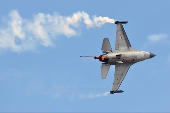 J-144 - Netherlands - Air Force General Dynamics F-16A Fighting Falcon