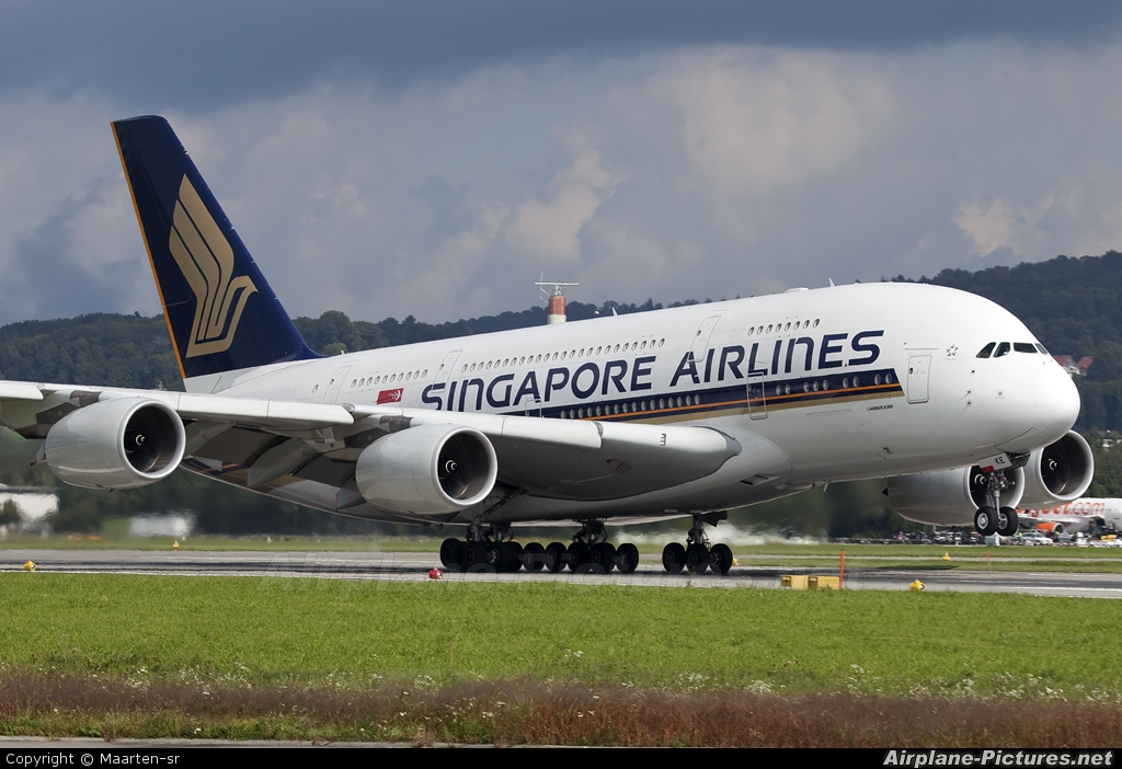 Singapore Airlines 9V-SKE aircraft at Zurich