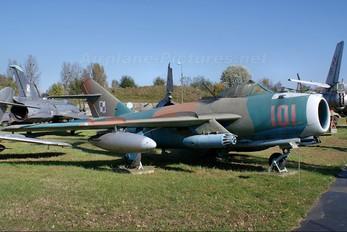 101 - Poland - Air Force PZL Lim-6bis
