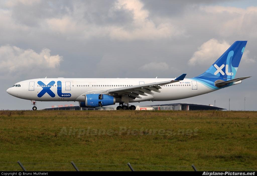F gseu xl airways france airbus a330 200 at paris for Airbus a330 xl airways interieur