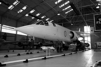 XR220 - Royal Air Force BAC TSR2