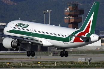 EI-IKU - Alitalia Airbus A320