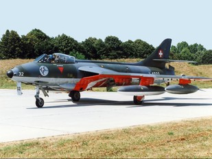 J-4032 - Switzerland - Air Force Hawker Hunter F.58