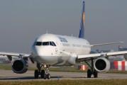 D-AISN - Lufthansa Airbus A321 aircraft