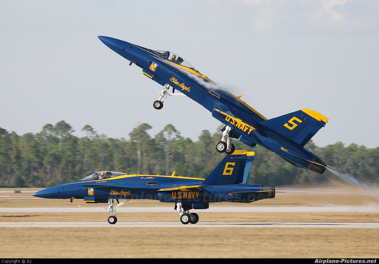 USA - Navy : Blue Angels 163768 aircraft at Pensacola - NAS / Forrest Sherman Field