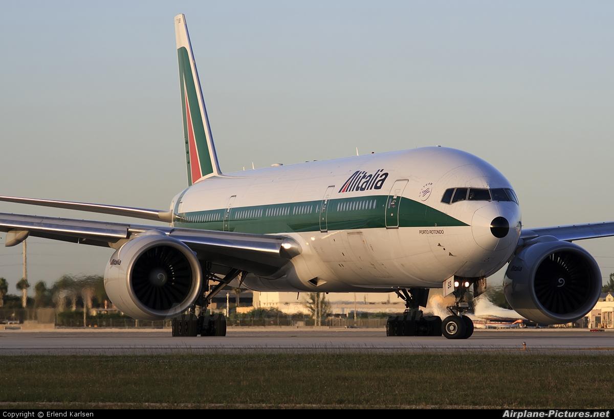 Jet Privato Alitalia : I disb alitalia boeing at miami intl photo id