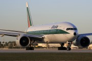 I-DISB - Alitalia Boeing 777-200 aircraft