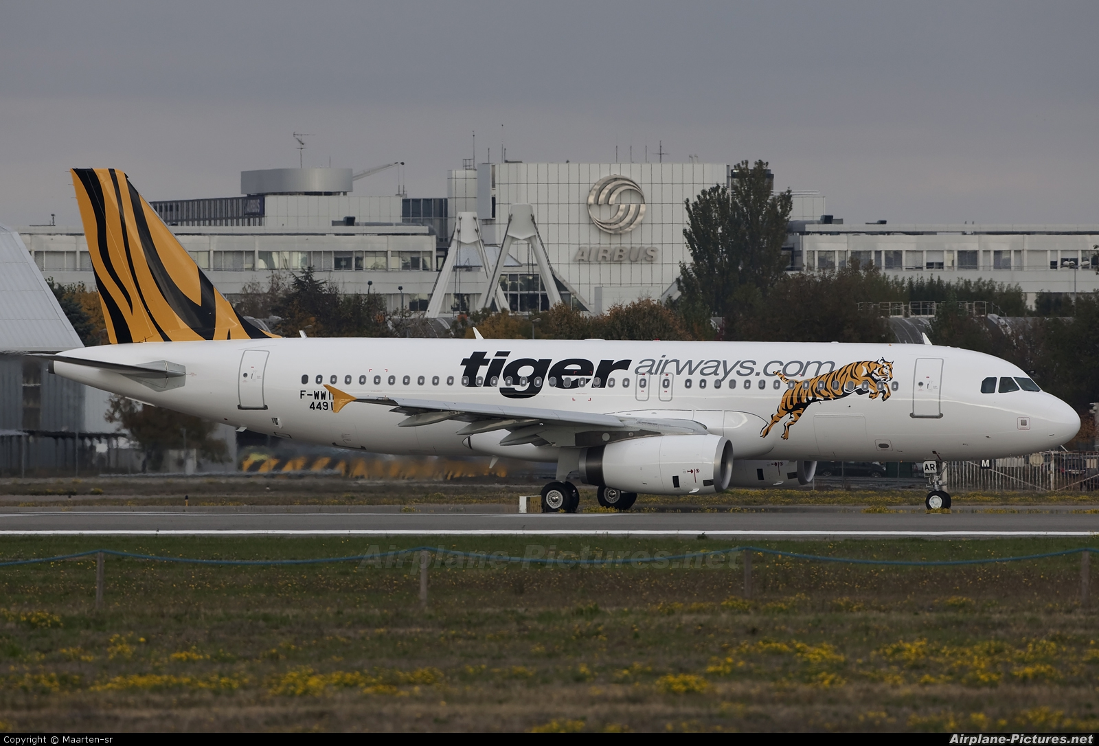 Tiger Airways F-WWIB aircraft at Toulouse - Blagnac