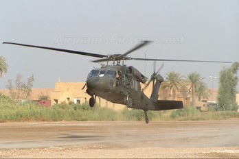 83-23854 - USA - Army Sikorsky S-70A Black Hawk