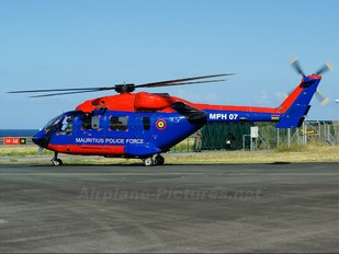 MPH-07 - Mauritius - Police Hindustan Dhruv