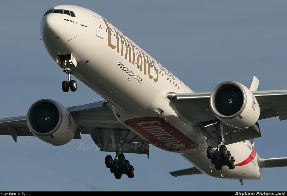 Emirates Airlines A6-ECV aircraft at London - Gatwick