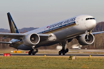 9V-SWS - Singapore Airlines Boeing 777-300ER