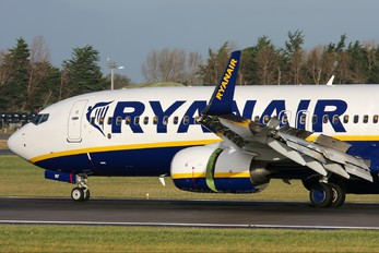 EI-EMF - Ryanair Boeing 737-800