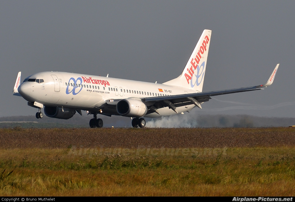 Air Europa EC-IDT aircraft at Paris - Charles de Gaulle