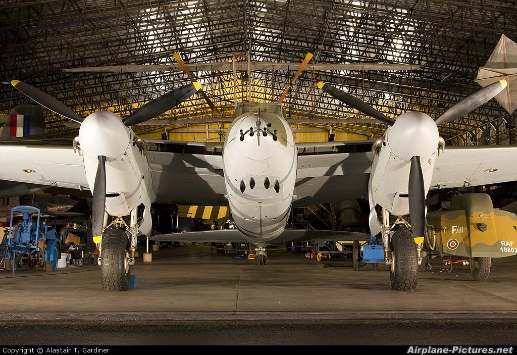 Royal Air Force HJ711 aircraft at Elvington