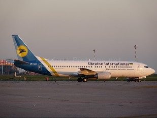 UR-GAX - Ukraine International Airlines Boeing 737-400