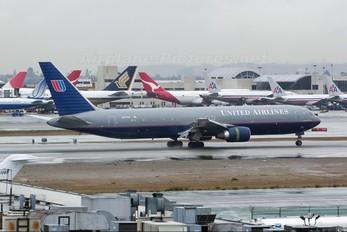 N677UA - United Airlines Boeing 767-300ER