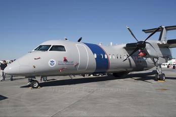 N808MR - USA - Dept. of Homeland Security de Havilland Canada DHC-8-300Q Dash 8