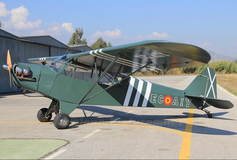 EC-AIY - Private Piper J3 Cub