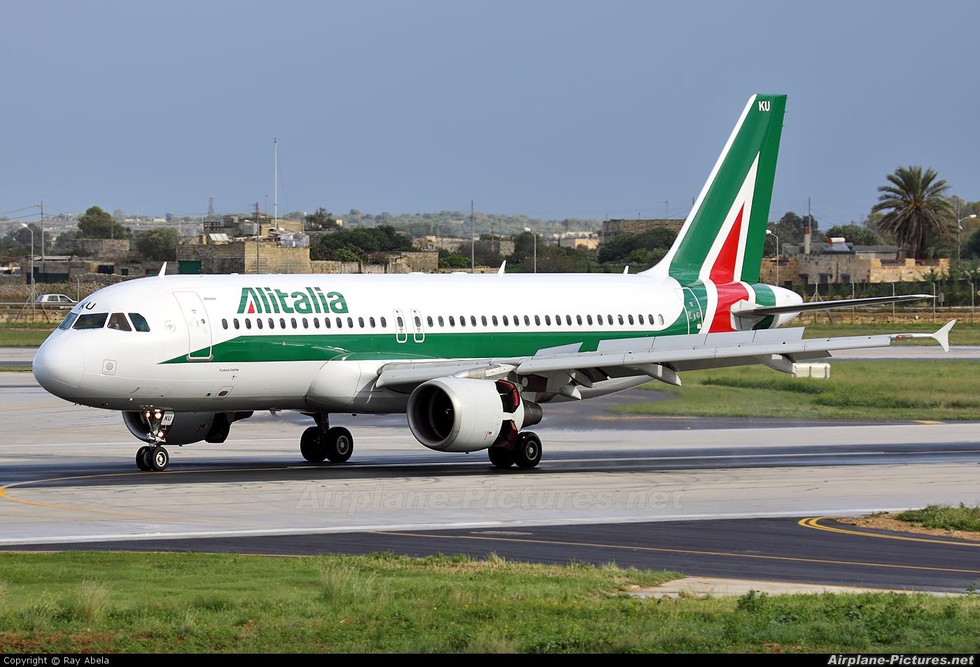 Jet Privato Alitalia : Ei iku alitalia airbus a at malta intl photo id