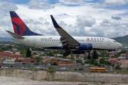 N305DQ - Delta Air Lines Boeing 737-700 aircraft