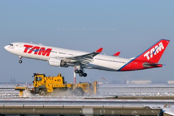 PT-MVR - TAM Airbus A330-200