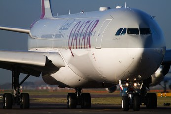 A7-AGB - Qatar Airways Airbus A340-600