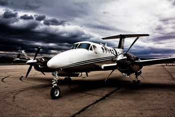 D-IBSH - Private Beechcraft 200 King Air