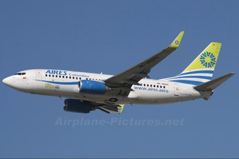 HK-4660 - Aires Colombia Boeing 737-700