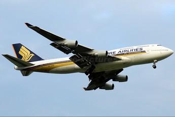 9V-SPN - Singapore Airlines Boeing 747-400