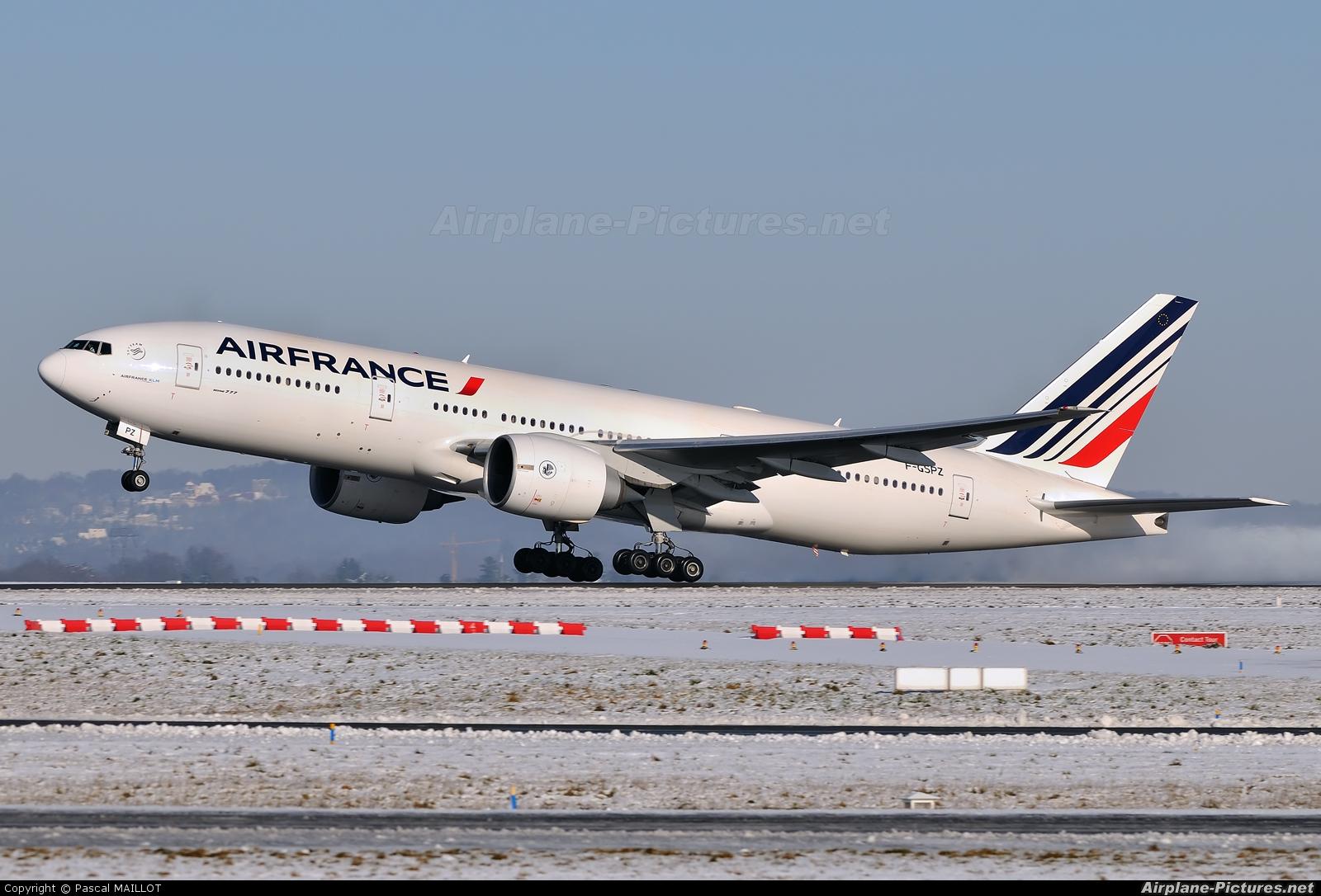 F gspz air france boeing 777 200er at paris charles de for Interieur 777 air france