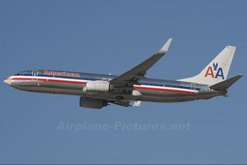 N928AN - American Airlines Boeing 737-800