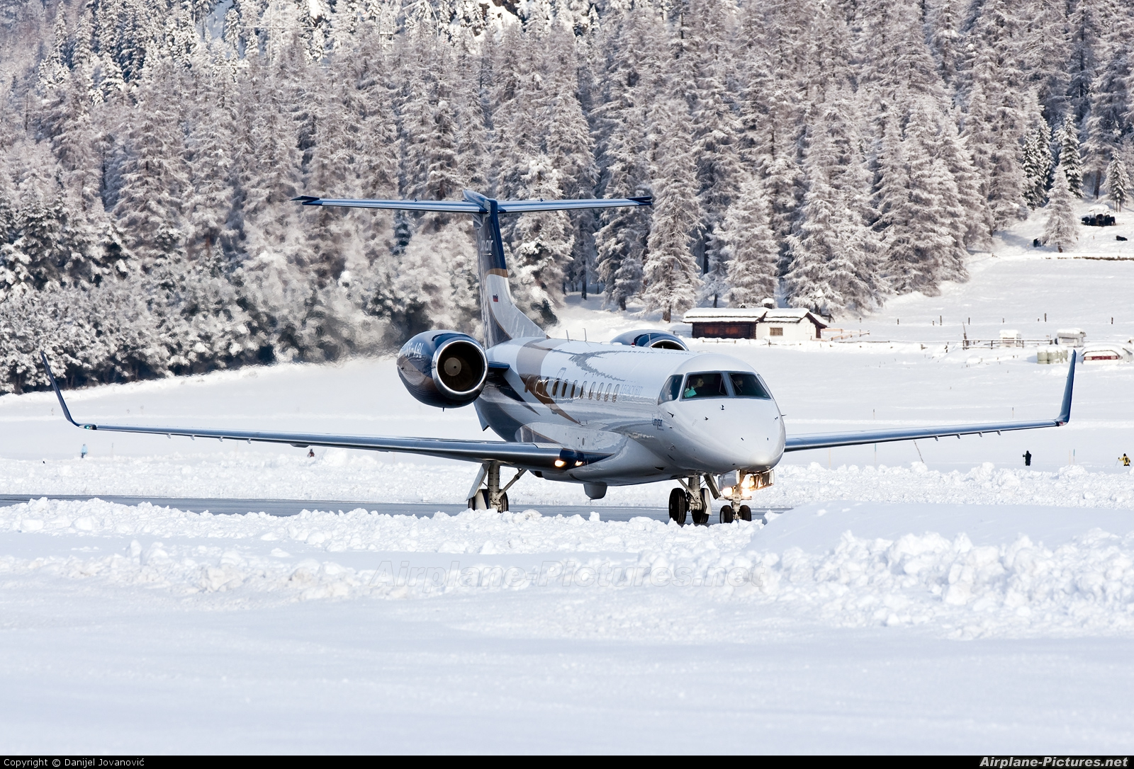 LinxAir S5-ABL aircraft at Samedan - Engadin