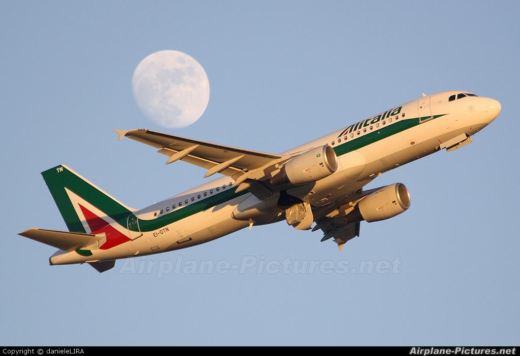 Alitalia EI-DTN aircraft at Rome - Fiumicino