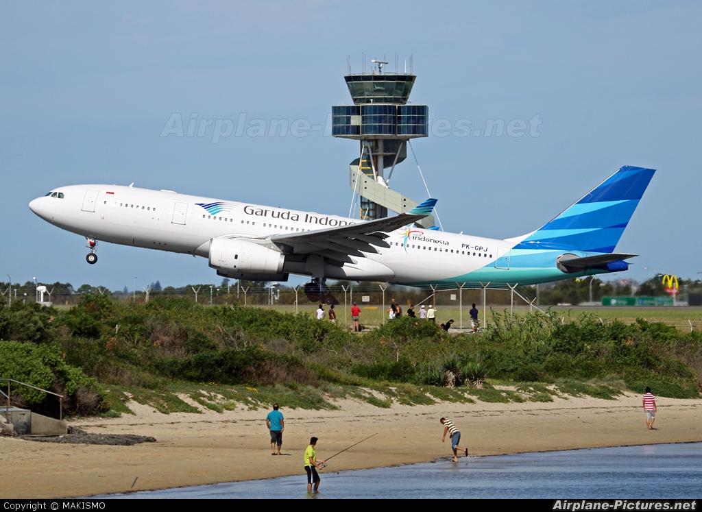 pkgpj garuda indonesia airbus a330200 at sydney