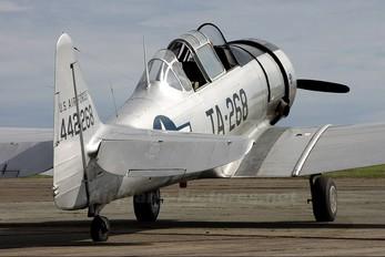 LN-TEX - Private North American Harvard/Texan (AT-6, 16, SNJ series)