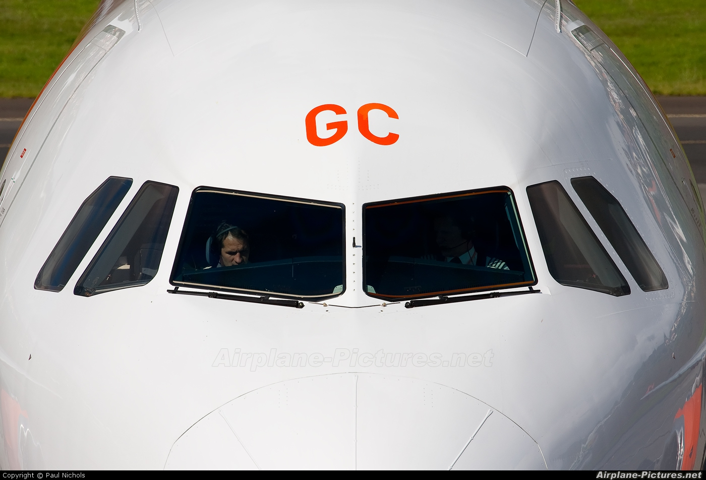 easyJet G-EZGC aircraft at Madeira