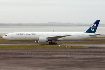 ZK-OKM - Air New Zealand Boeing 777-300ER