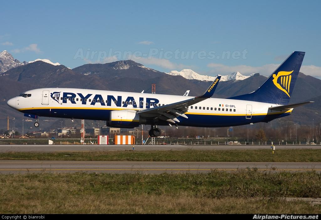 Ryanair EI-DPL aircraft at Bergamo - Orio al Serio