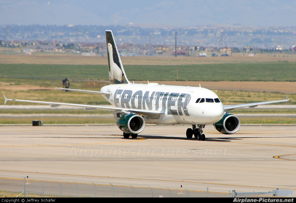 Frontier Airlines N949FR aircraft at Denver Int.