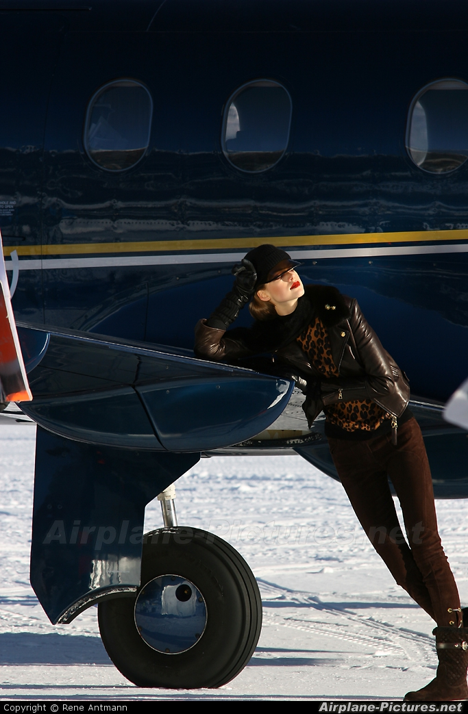 - Aviation Glamour - aircraft at Samedan - Engadin