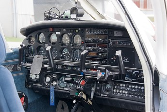 I-AZRO - Private Piper PA-28R Arrow /  RT Turbo Arrow